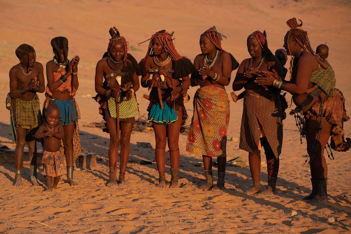 Himba Singing