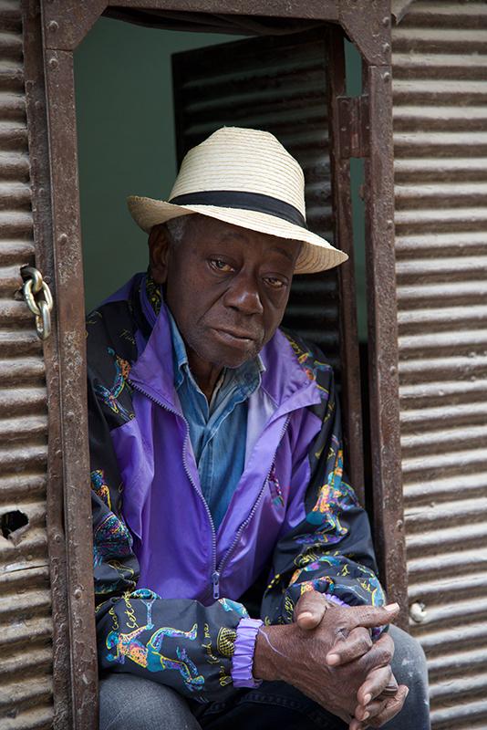 pictures of men in Cuba