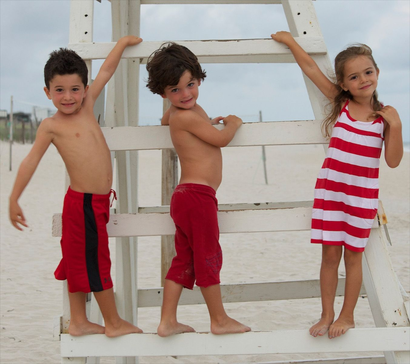 children at the beach images