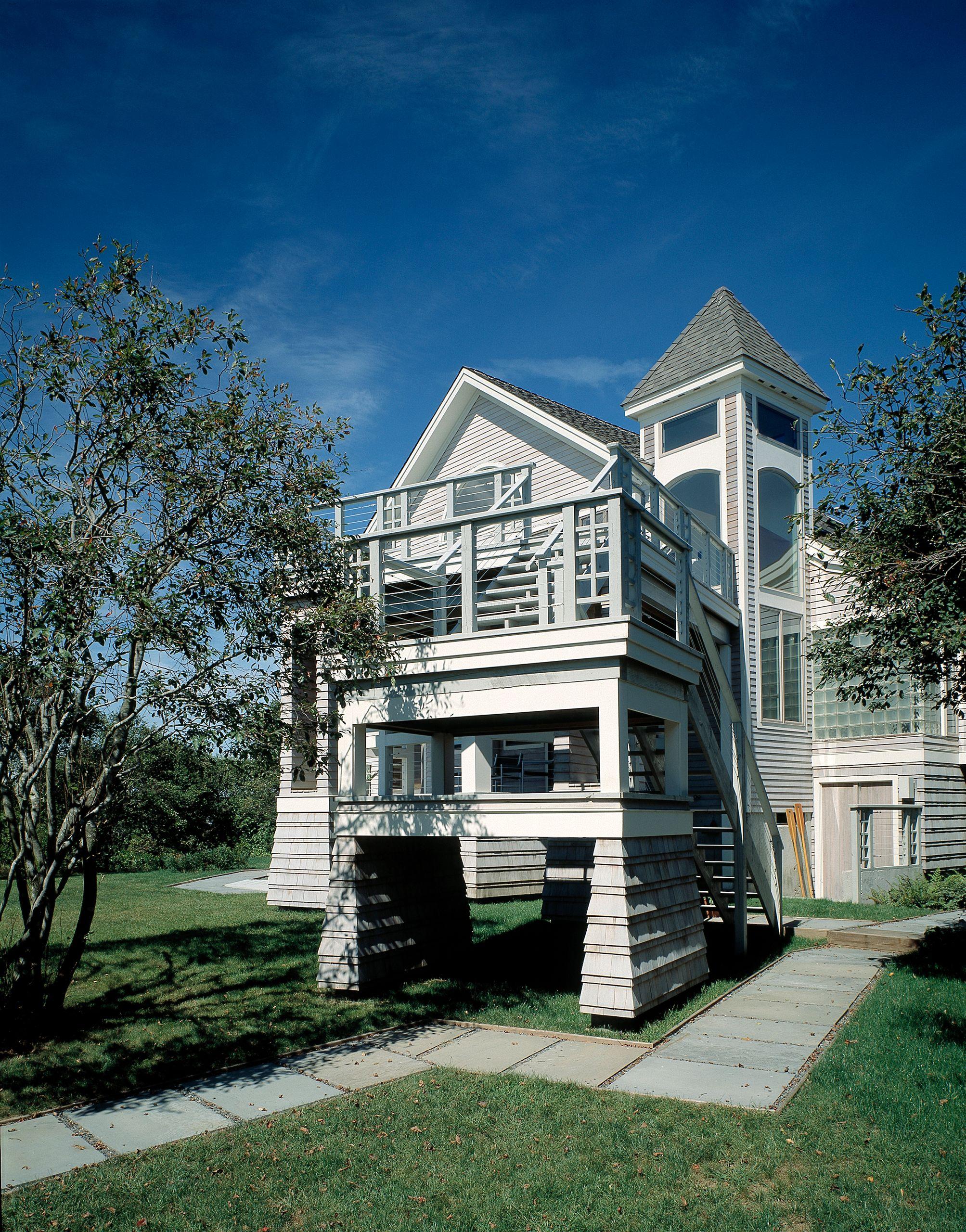 IslandHouse-SKingstownRI-ExteriorStair.jpg