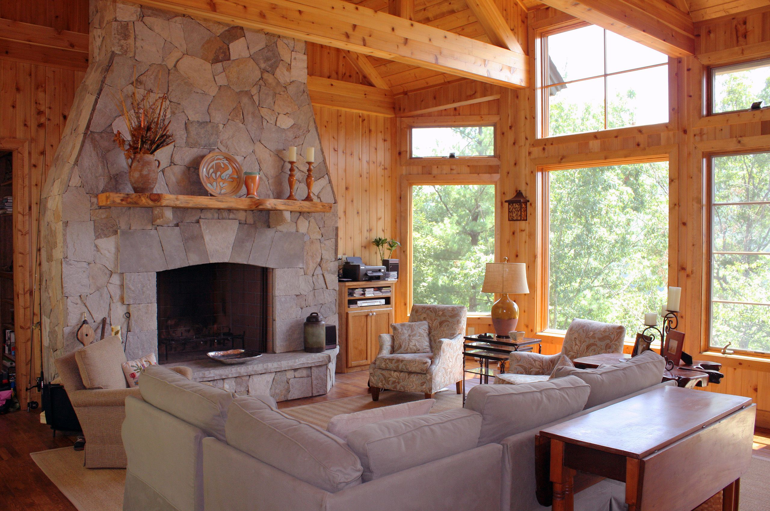 MountainRetreat-Lake Nantahala-NorthCarolina-GreatRoom.jpg