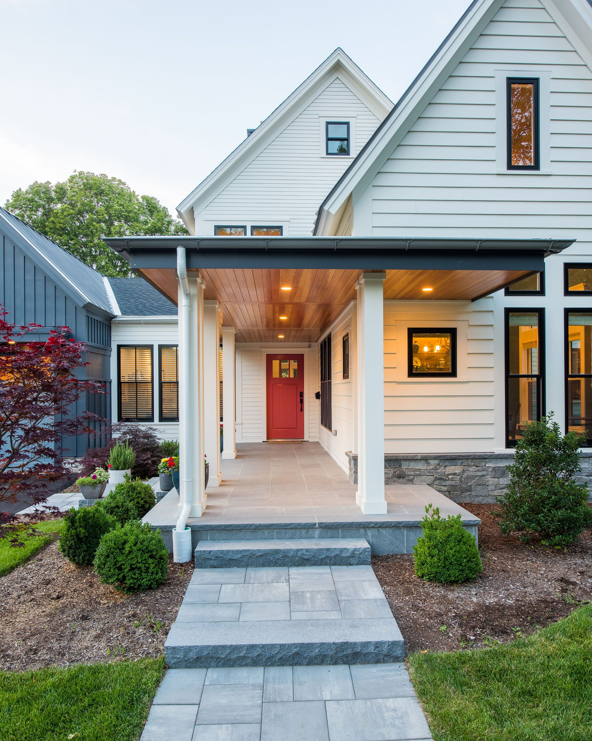 KingsburyResidence-NeedhamMA-entry.jpg