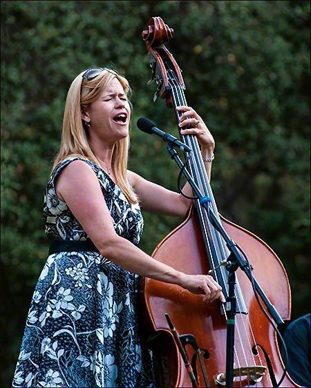 Kristin Korb Performs at Descanso Gardens
