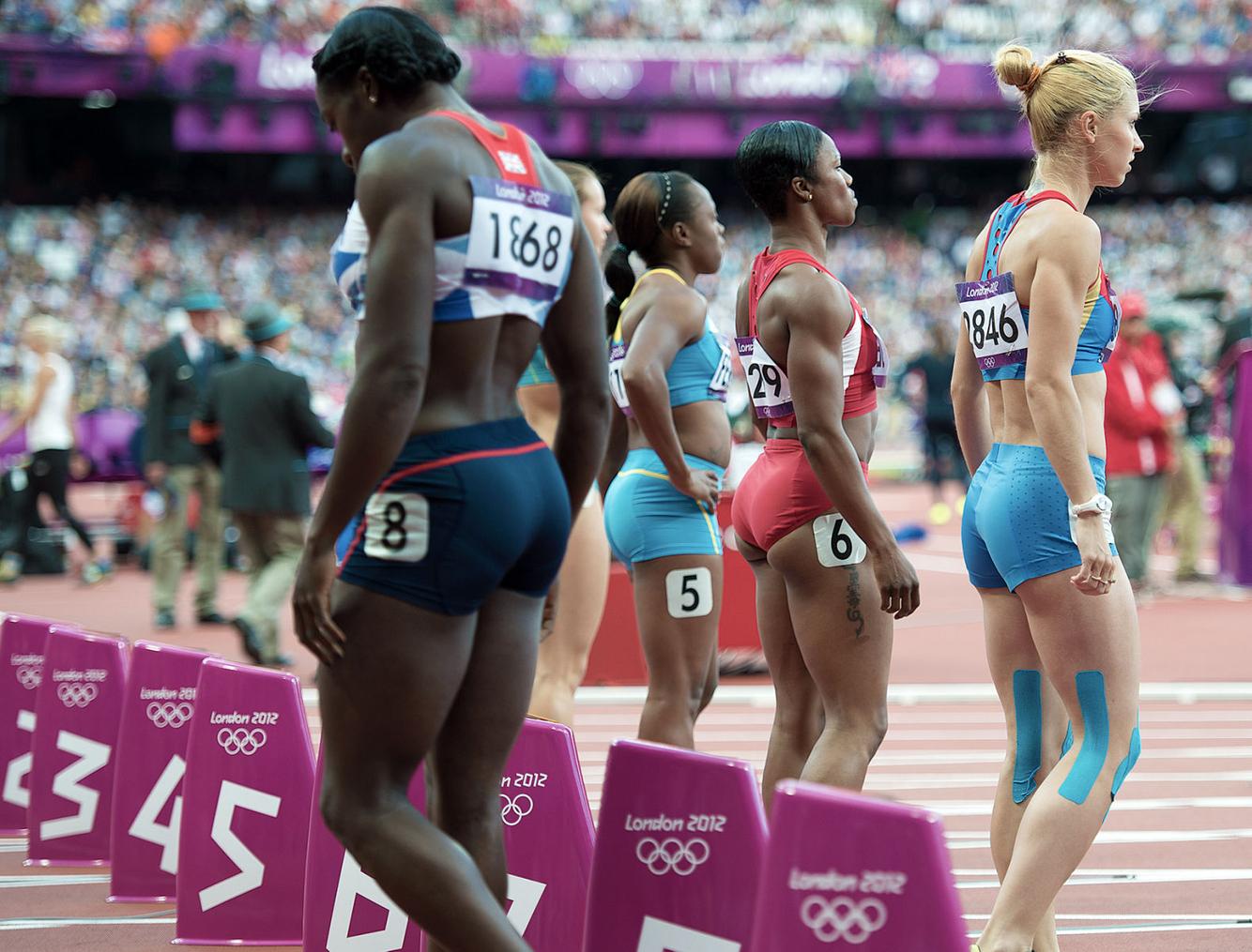 1london2012_carmelita_jeter_100m_start_track_and_field_image_jeff_cohen_photo_lb.jpg