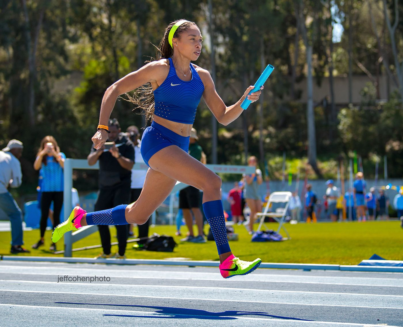 1felix_allyson_4x100_4_2017_jjk_meet___jeff_cohen_photo__669_web.jpg