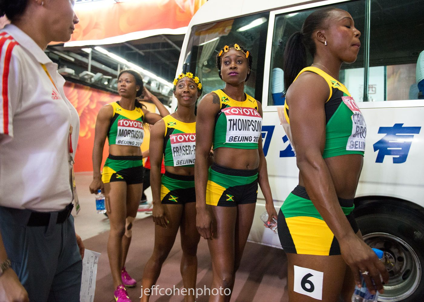 1beijing2015_night_8_4x100_jamaica_w_bus_jeff_cohen_photo_31873_web.jpg