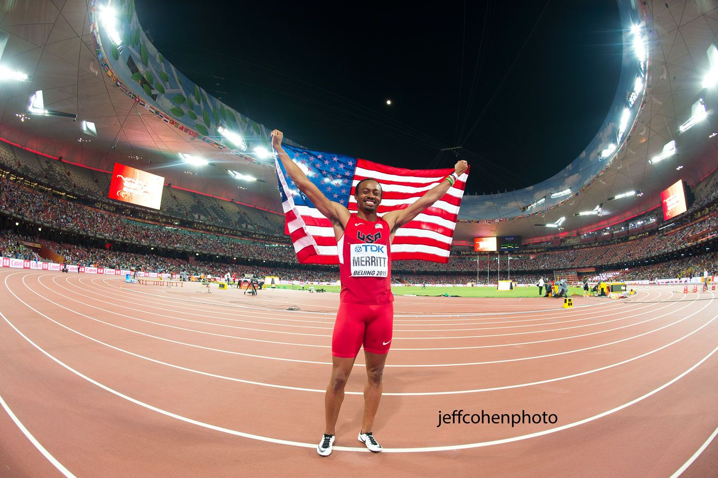 1beijing2015_night_7_aries_merritt_flag_jeff_cohen_photo_29341_web.jpg