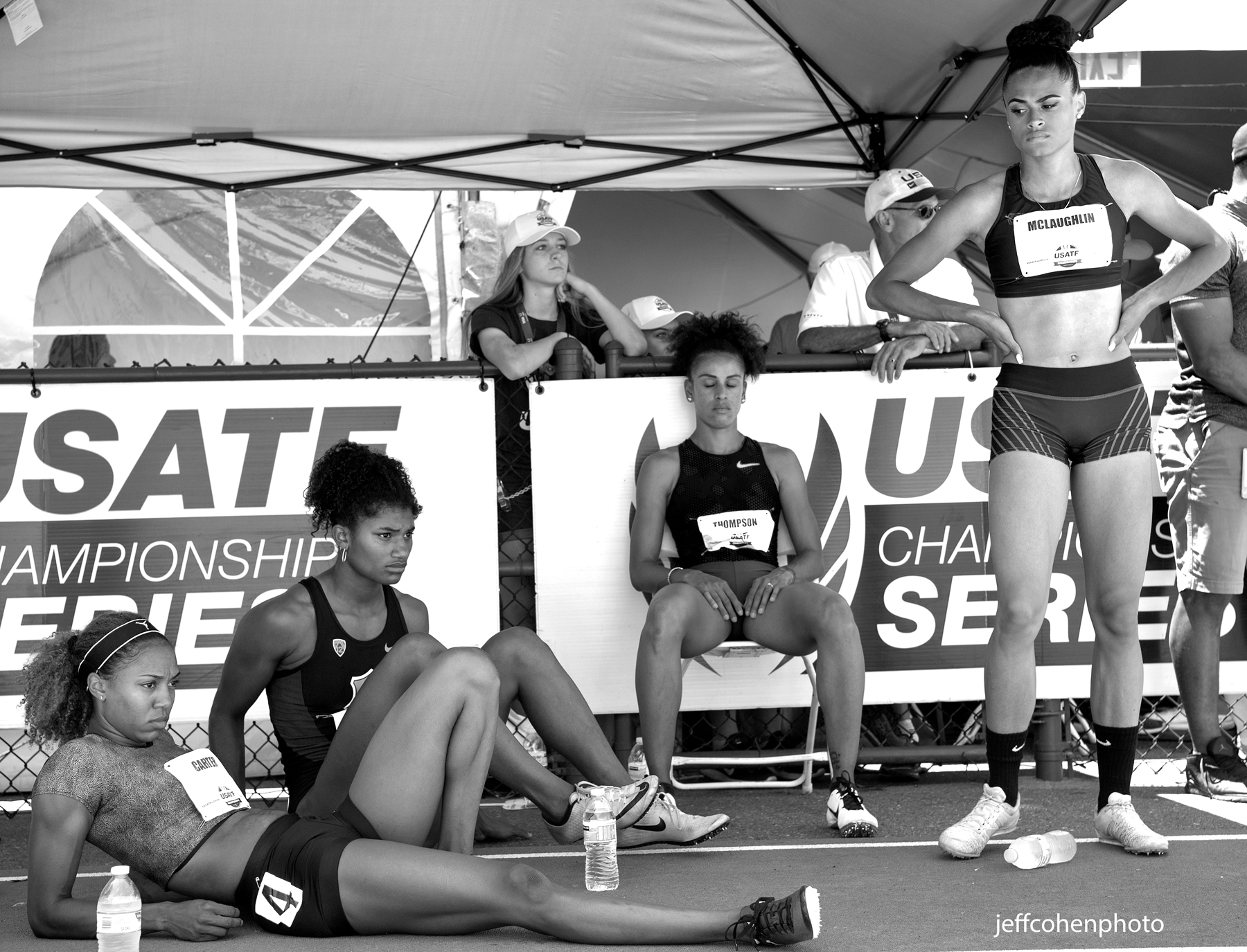 2017-usatf-outdoor-champs-day-3-400mhw-bw-jeff-cohen-photo--554-web.jpg