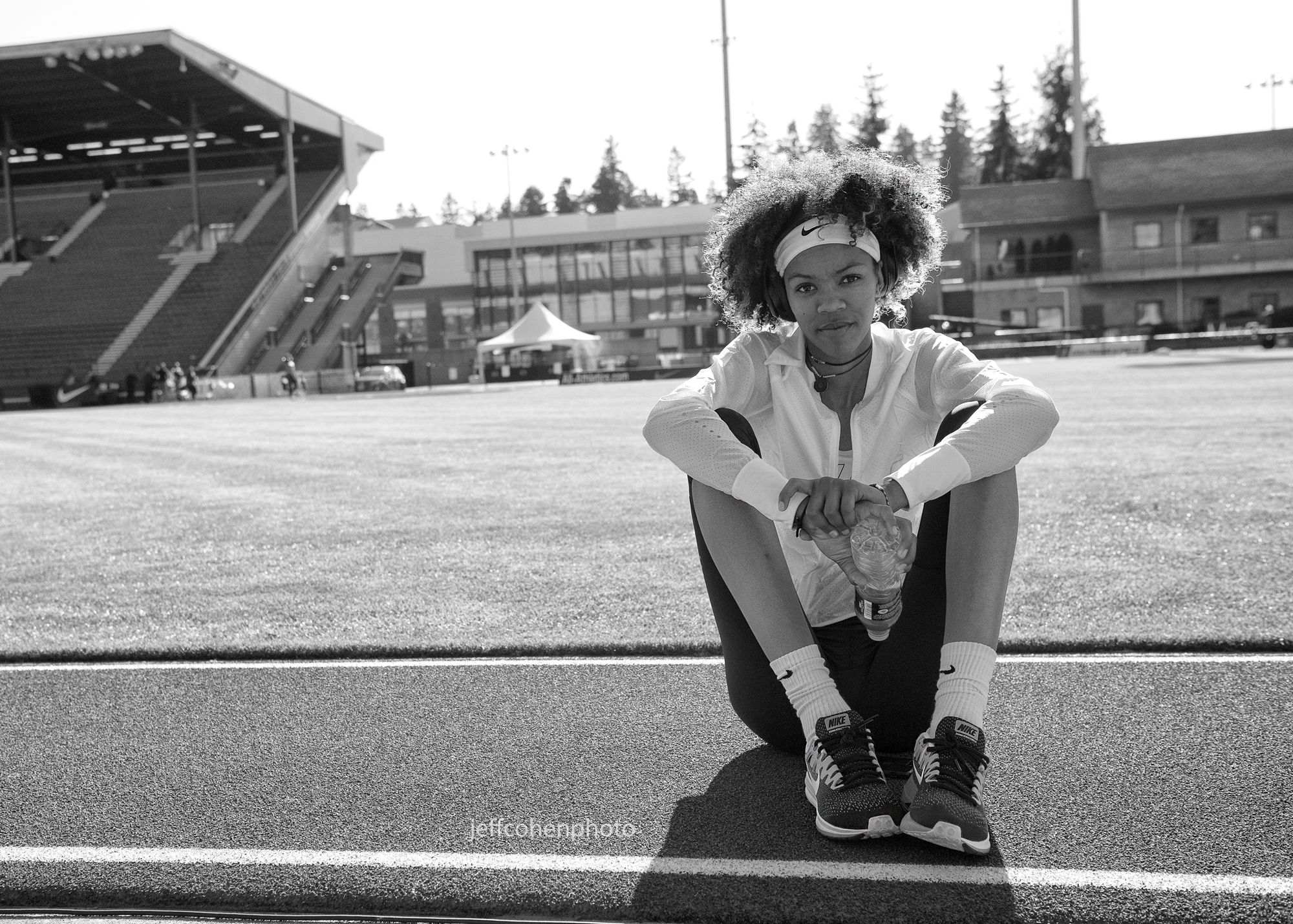 2017-Pre-Classic-pre-meet--vashti-bw--port--jeff-cohen-photo--1305-web.jpg