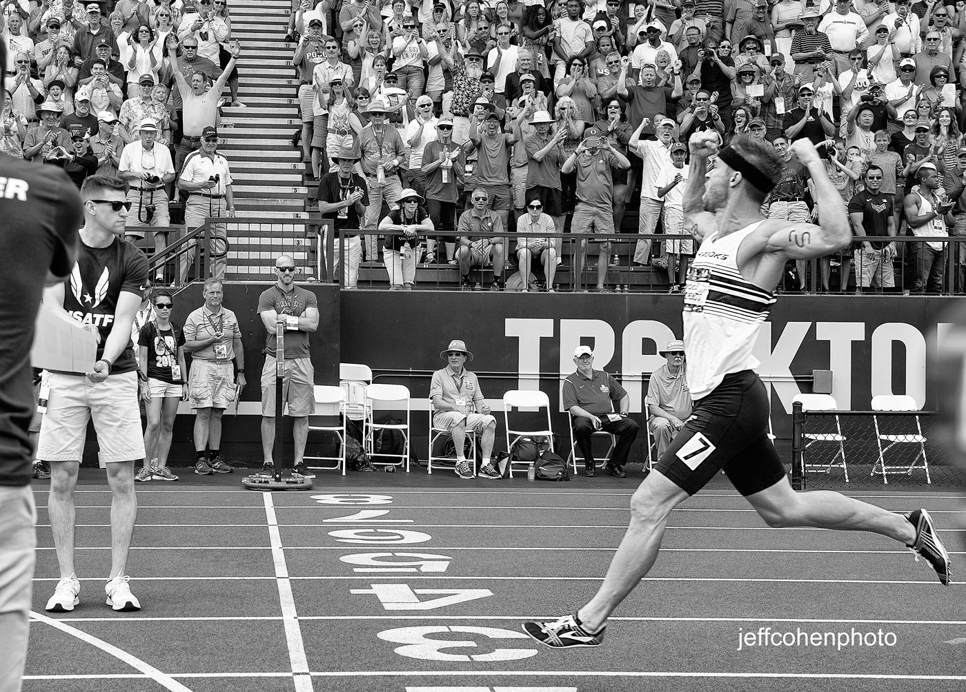 1r2015_usaoutdoors_day_4_nick_symmonds_bw_800m_final_jeff_cohen_0396_web_.jpg