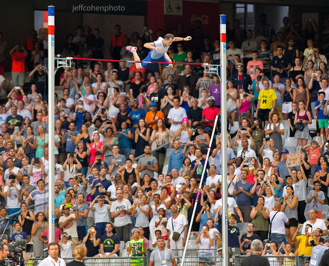 1r2016_meeting_de_paris_lavillenie_pv_jeff_cohen_photo_880_web.jpg