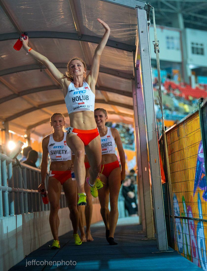 1r2017_bahamas_relays_day_1__malgorzata_holub_poland_jump___jeff_cohen_photo__1574_web.jpg