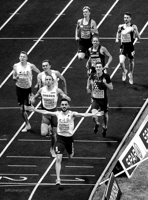 2018-EURO-CHAMPS-DAY-6-800m-final-finish--274--jeff-cohen-photo--web.jpg