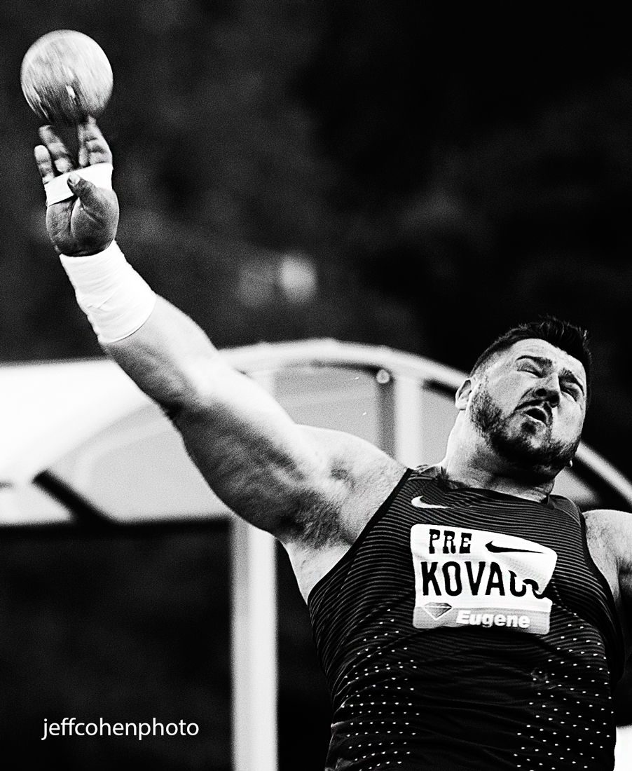 1pre_2016_night_kovacs_throw_bw_jeff_cohen_photo_289_web.jpg