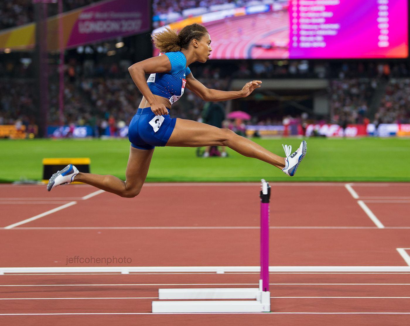 2017-IAAF-WC-London-night-4-kori-cartert-400mhw-2822-jeff-cohen-photo--web.jpg