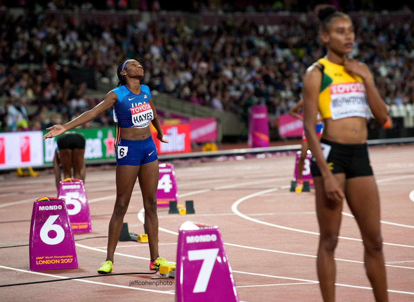 2017-IAAF-WC-London-night-4-quanera-hayes-400mw-ohen-photo--web.jpg