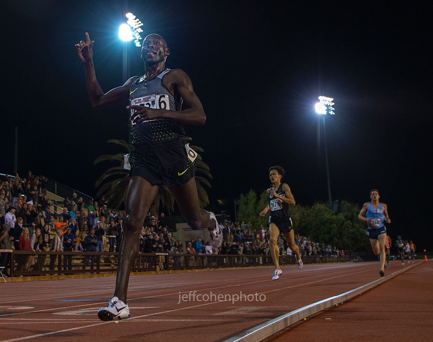 1payton_jordan_meet_lagat_10k_wr_masters_5_1_16__jeff_cohen_photo_8717_web.jpg