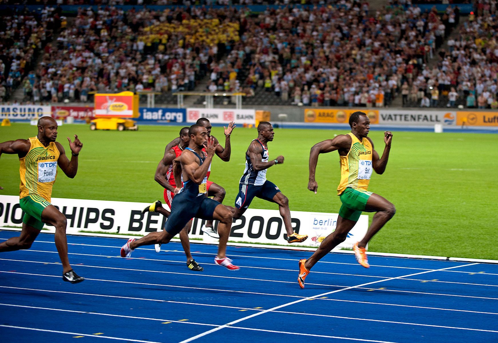 1wc_berlin_2009_usain_bolt_100_final_tyson_gay_track_and_field_image_jeff_cohen_photo_lb.jpg