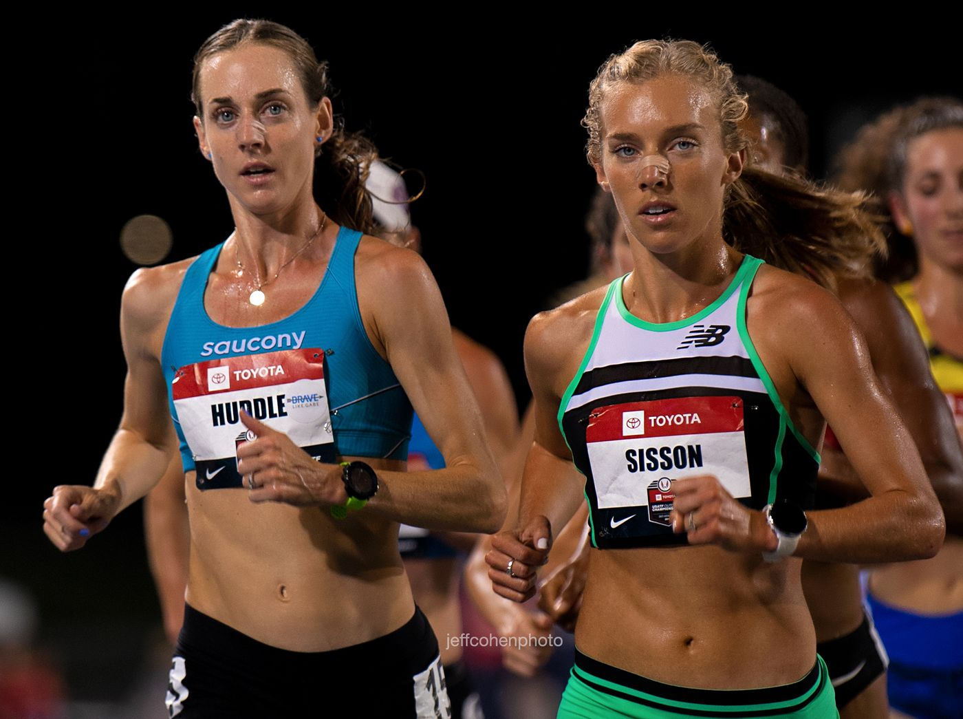 Molly Huddle and Emily Sisson, 10000 meters, 2019 Toyota USATF outdoor championships. Des Moines, IOWA.