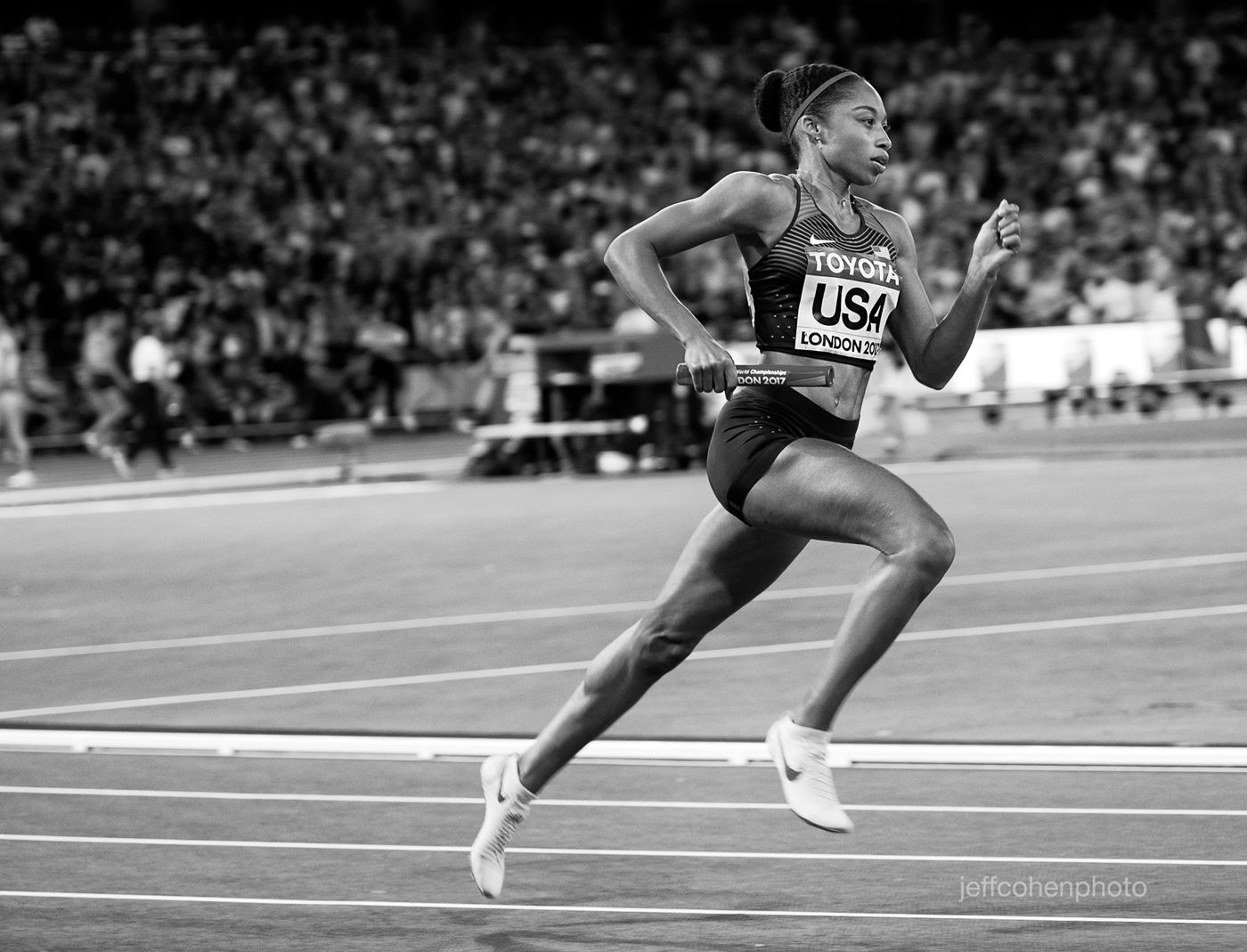 2017-IAAF-WC-London-night10-felix-4x400w-bw--1940--jeff-cohen-photo--web.jpg