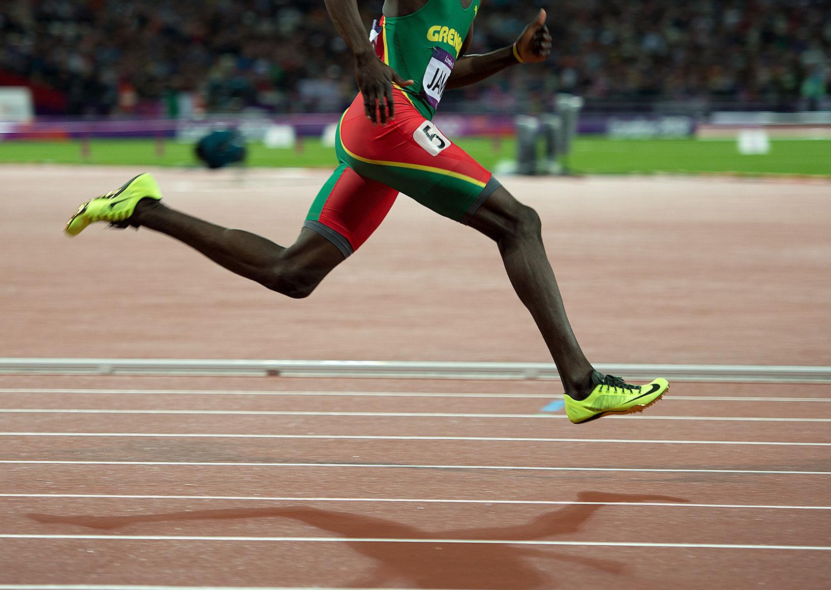 1london2012_kirani_james_legs_400_track_and_field_image_jeff_cohen_photo_lb.jpg