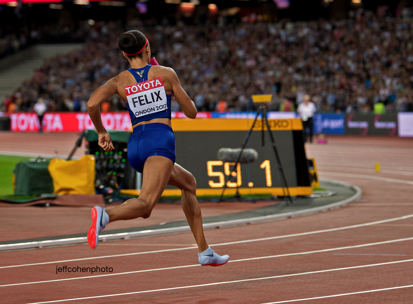 2017-IAAF-WC-London-night10--felix-4x400-1962--jeff-cohen-photo--web.jpg