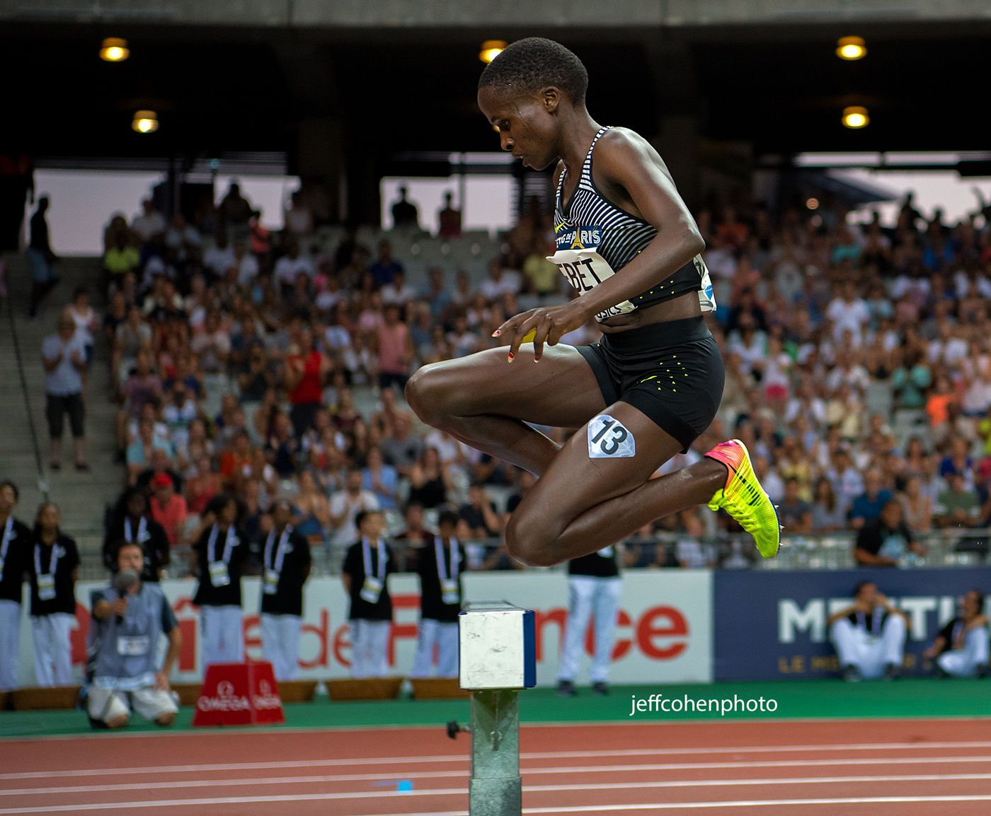 1r2016_meeting_de_paris_ruth_jebet_wr_steeple_jump_jeff_cohen_photo_1049_web.jpg