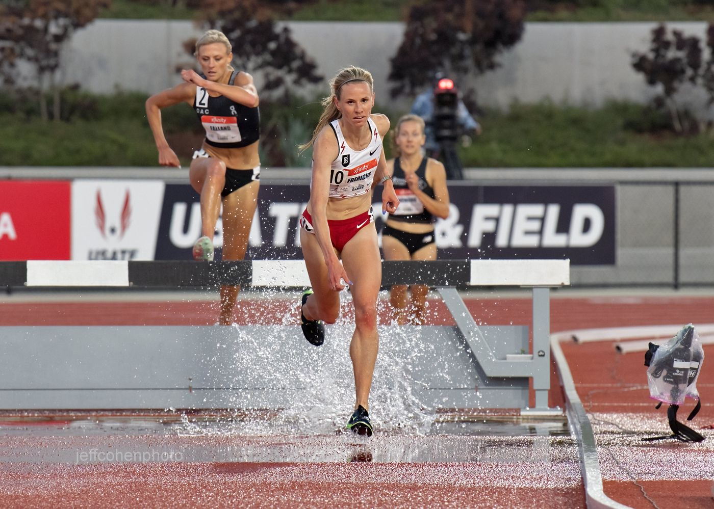 Courtney Frerichs, steeplechase, 2021 Usatf golden games.
