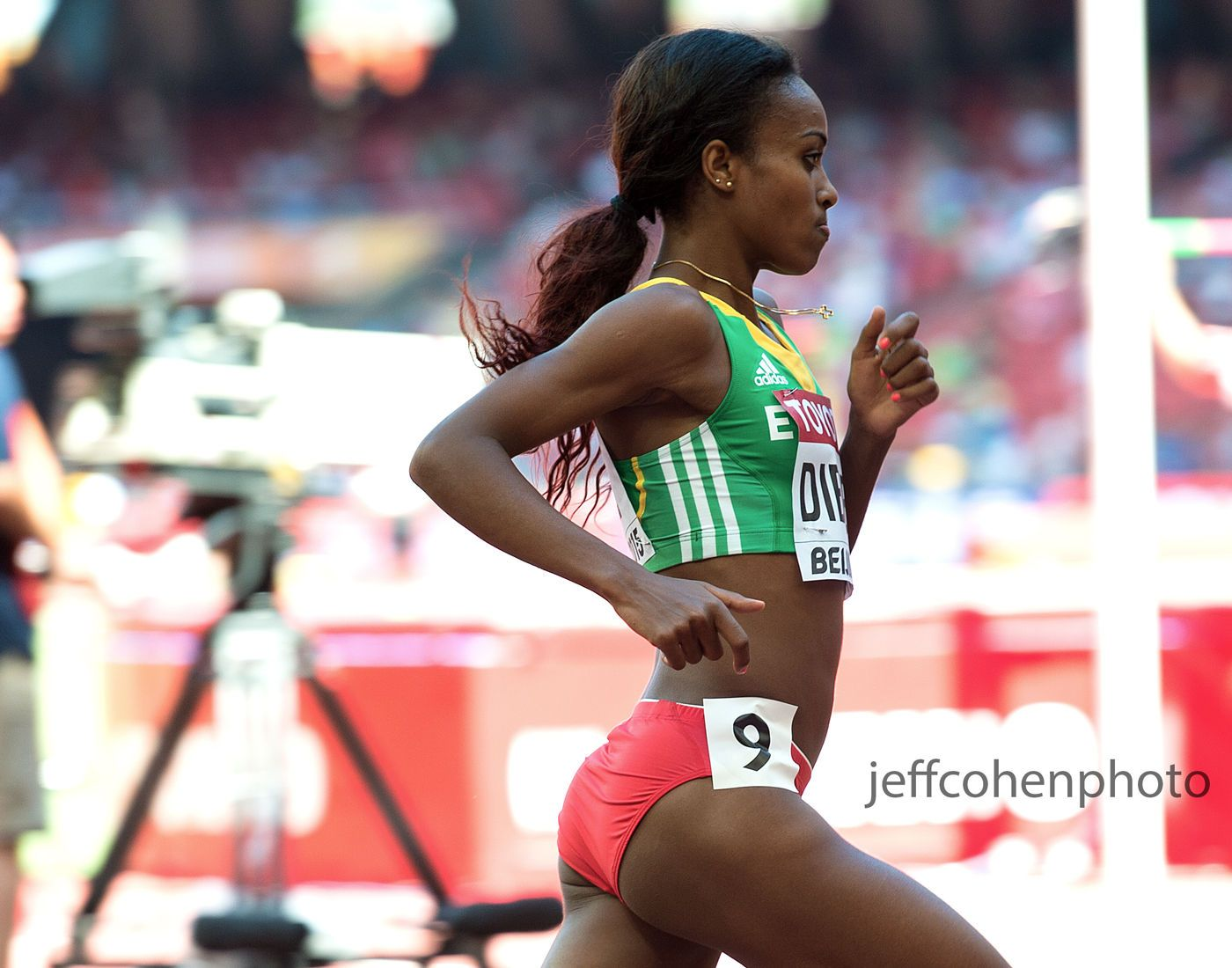 1day1_dibaba_1500m_jeffcohenphoto_web.jpg