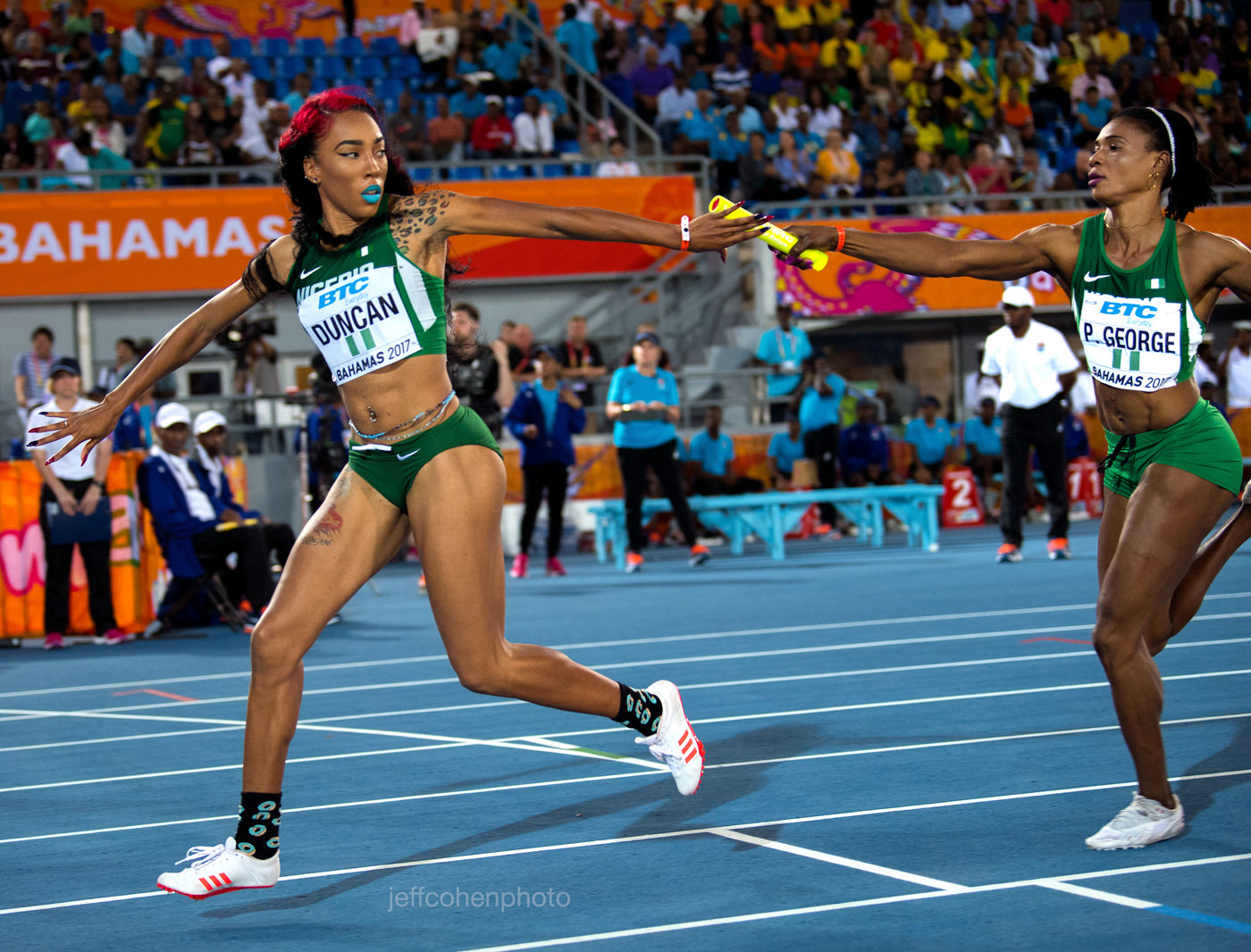 1r2017_bahamas_relays_day_1_dominique_duncan_patience_george_4x400_nigeria___jeff_cohen_photo__527_web.jpg