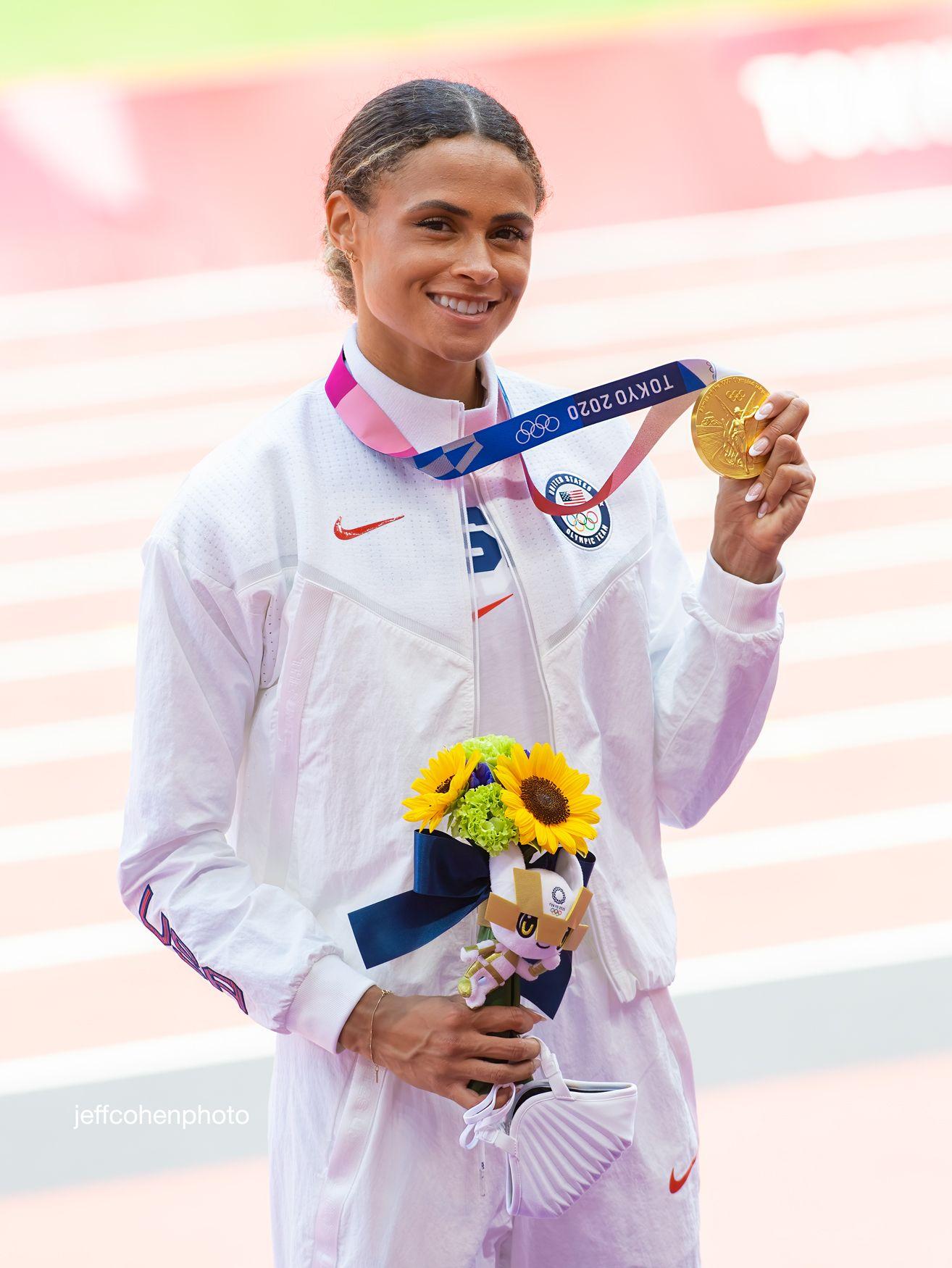 mclaughlin-400hw-medal-2020-tokyo-oly-day-6--night-821-jeff-cohen-photo---copy-web.jpg