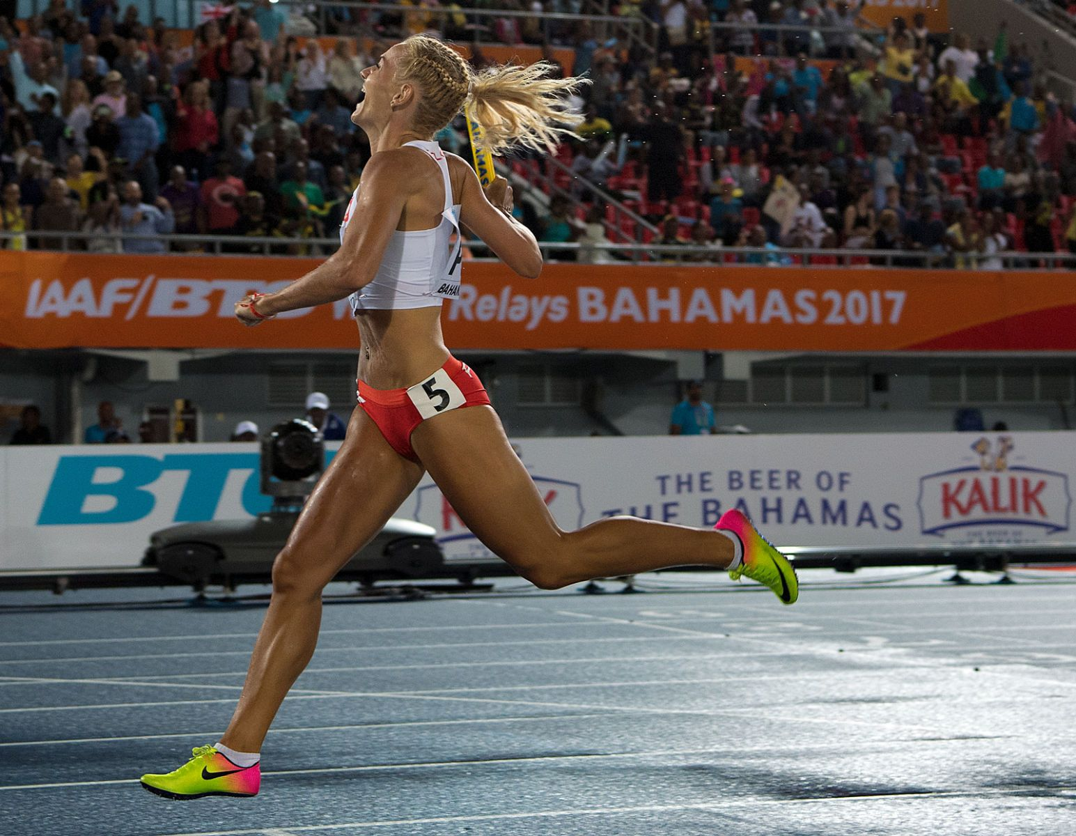 1r2017_bahamas_relays_day_2__sweity_poland_4x400____jeff_cohen_photo__799.jpg