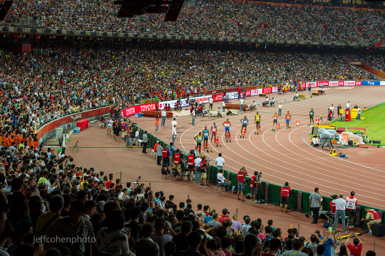 1beijing2015_night_4_200m_bolt_crown_jeff_cohen_photo_16714_web.jpg