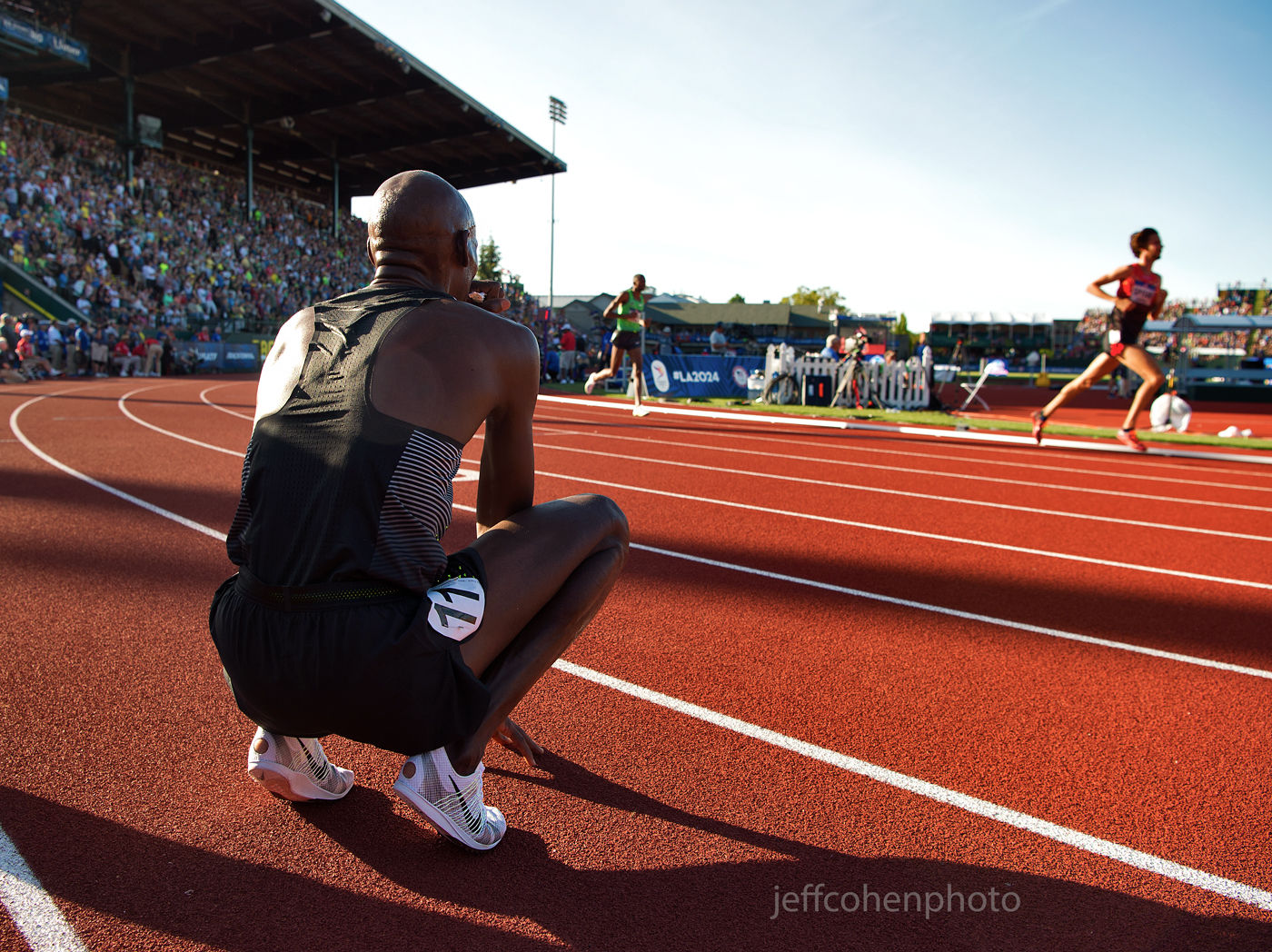 1r2016_oly_trials_day_1_lagat_watches_10k_jeff_cohen_photo_3870_web.jpg