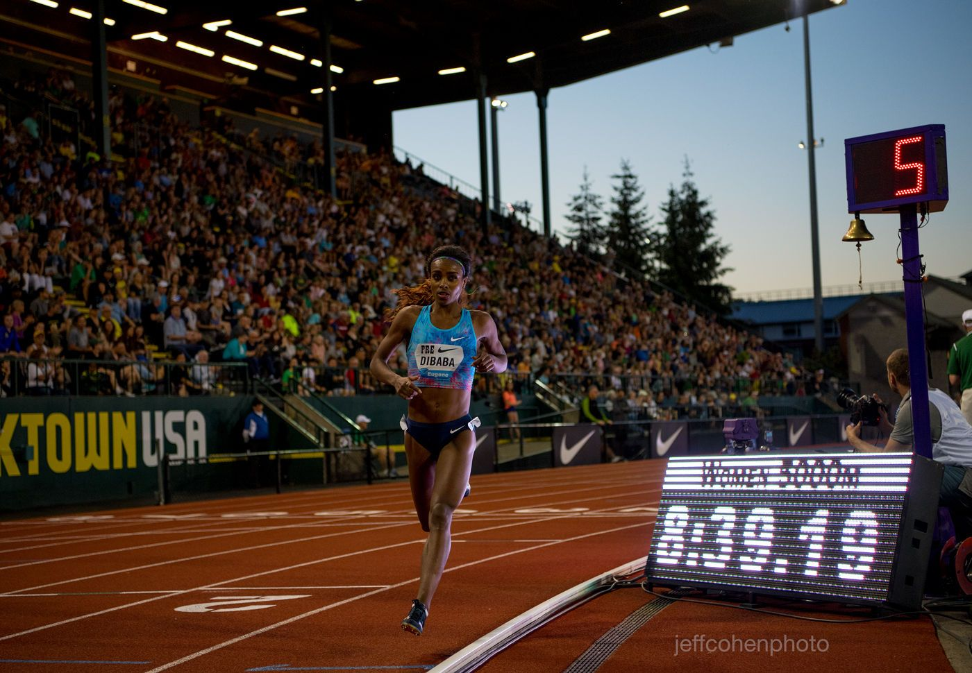 1r2017_pre_classic_pre_meet_night_dibaba_5000w_2__jeff_cohen_photo__2416_web.jpg
