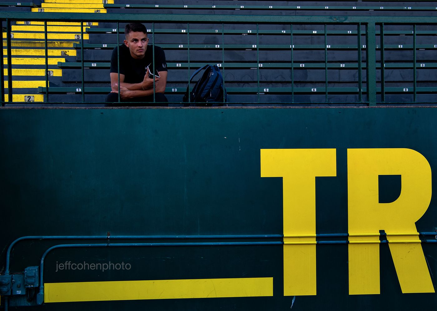 2018-pre-pre-classic--496-devon-allen-bleachers--jeff-cohen-photo--web.jpg