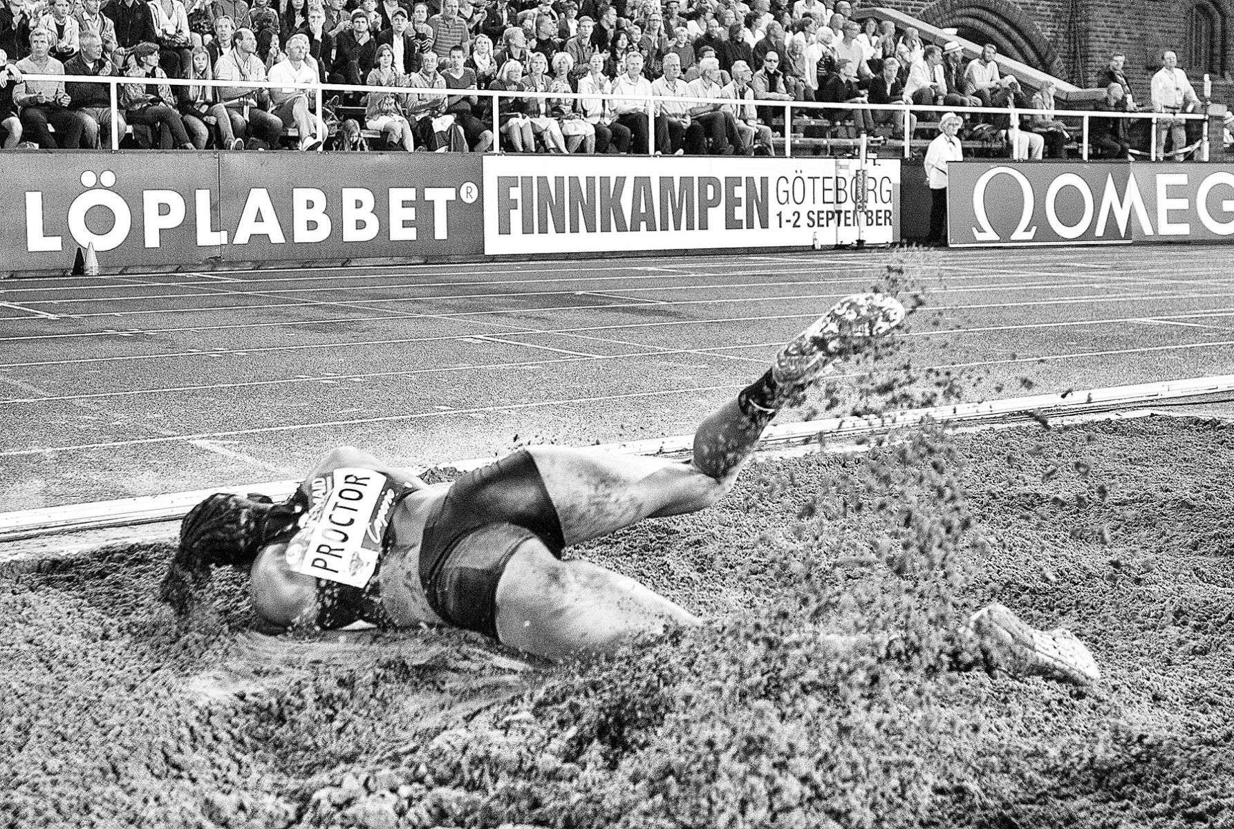 1dn_galan_lj_w_bw_track_and_field_image_jeff_cohen_photo_lb.jpg
