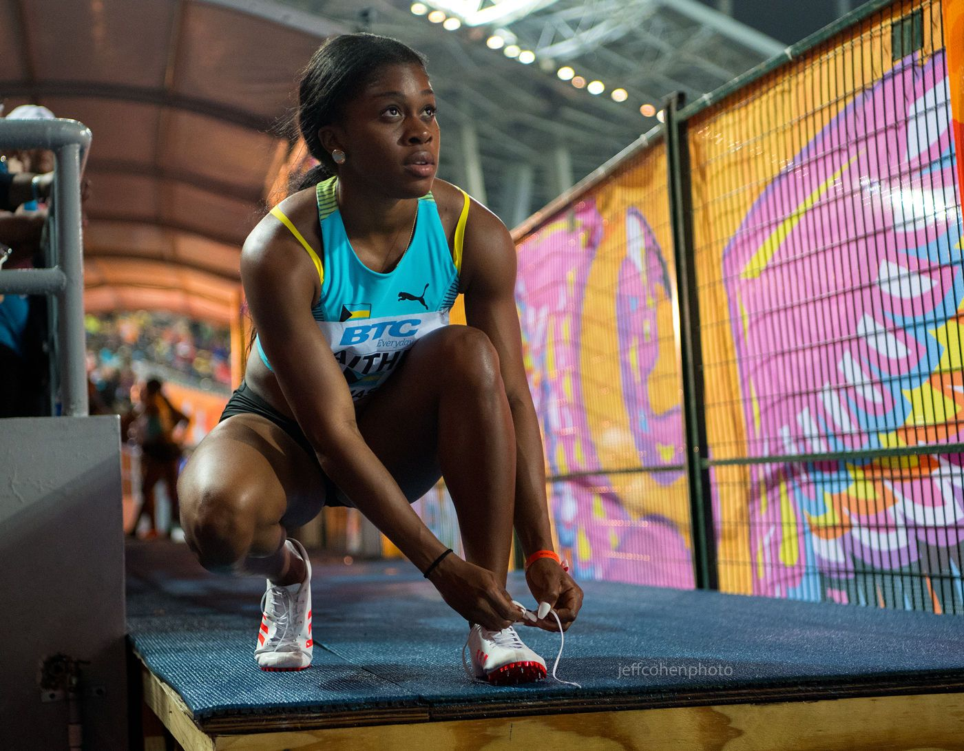 1r2017_bahamas_relays_day_2_gaither_tynia_bahamas_4x100____jeff_cohen_photo__204_web.jpg