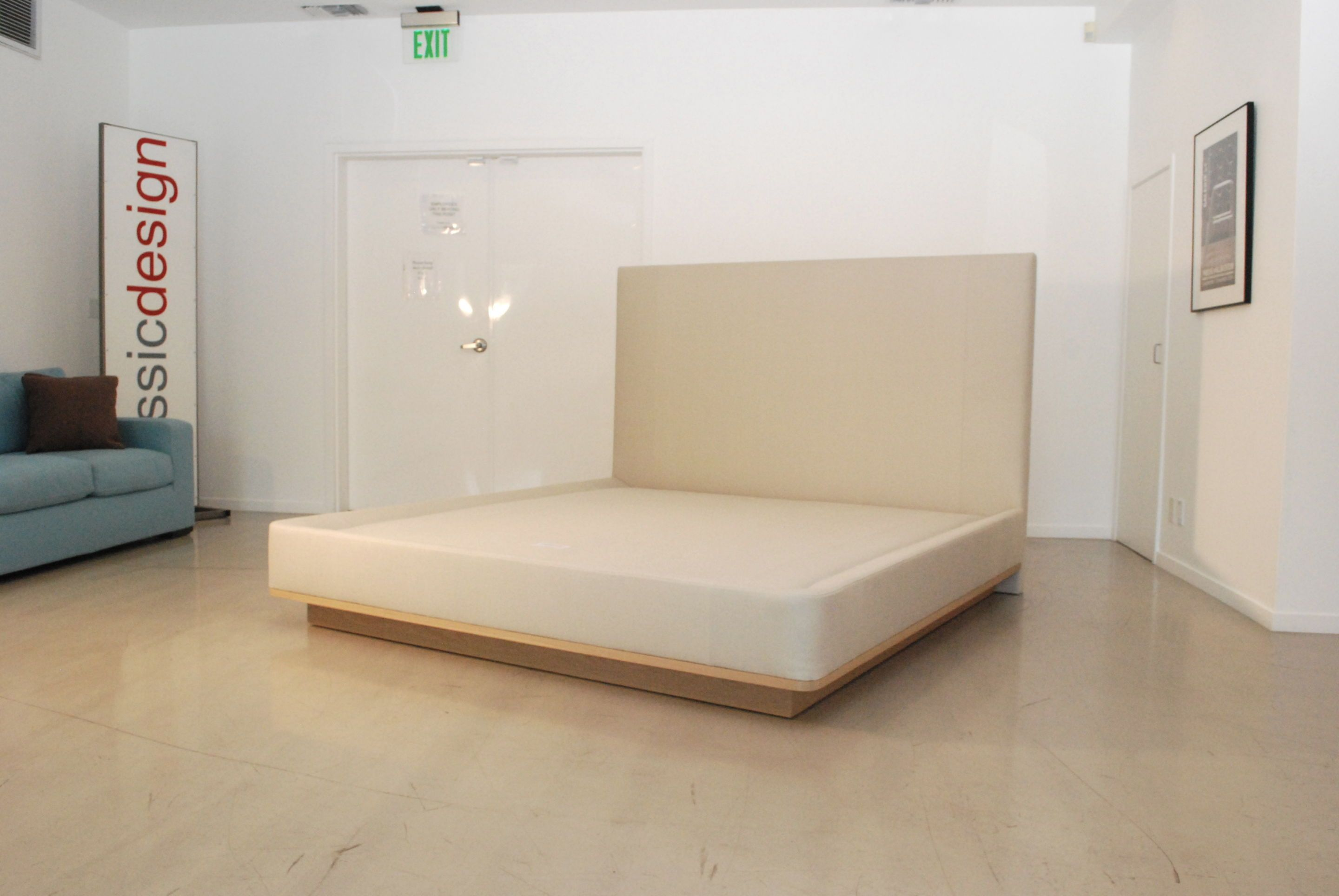 Classic King Bed with Wood Base