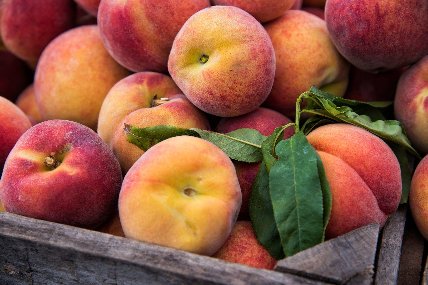 Dupont Circle Farmers Market - peaches