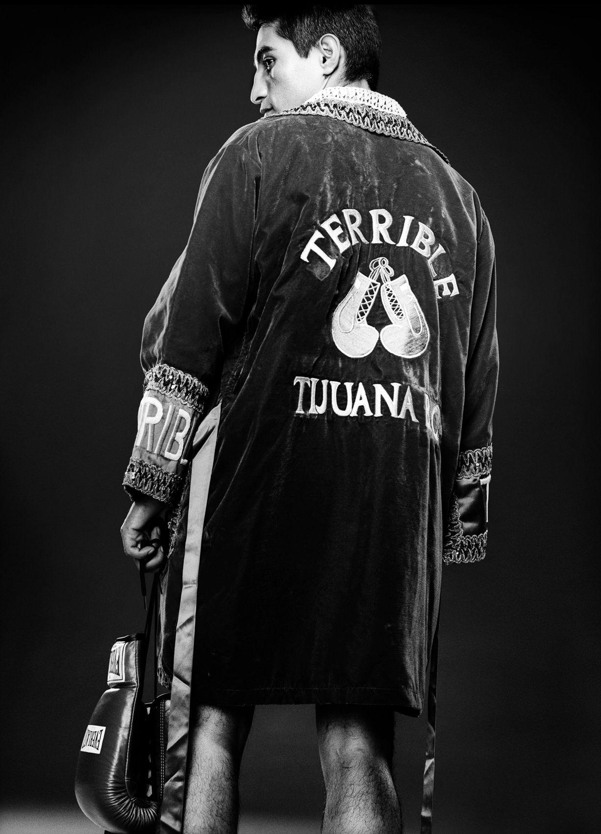Erik-Morales-boxer.jpg