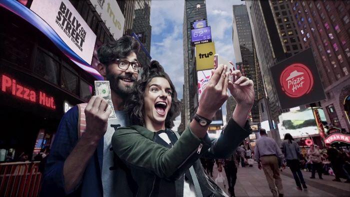 Pizza-Hut-Cinemagraph-Times-Square-Campagin-by-Michael-Grecco-700x394.jpg