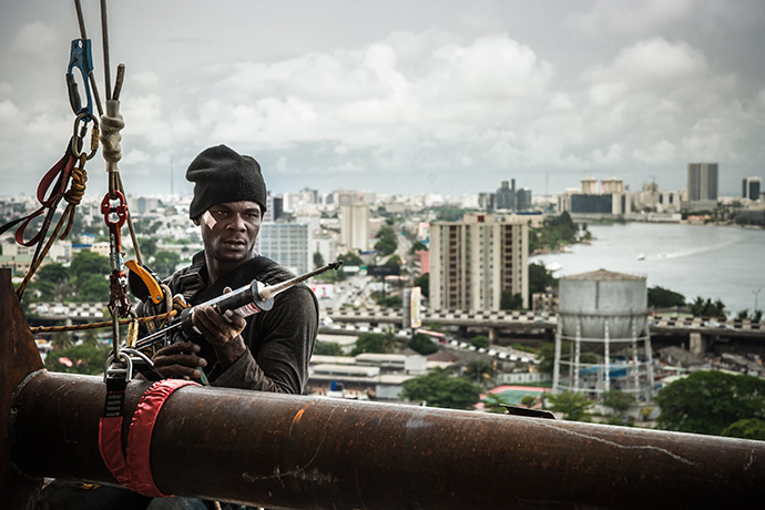Nigerian-construction-worker-Lagos1.jpg
