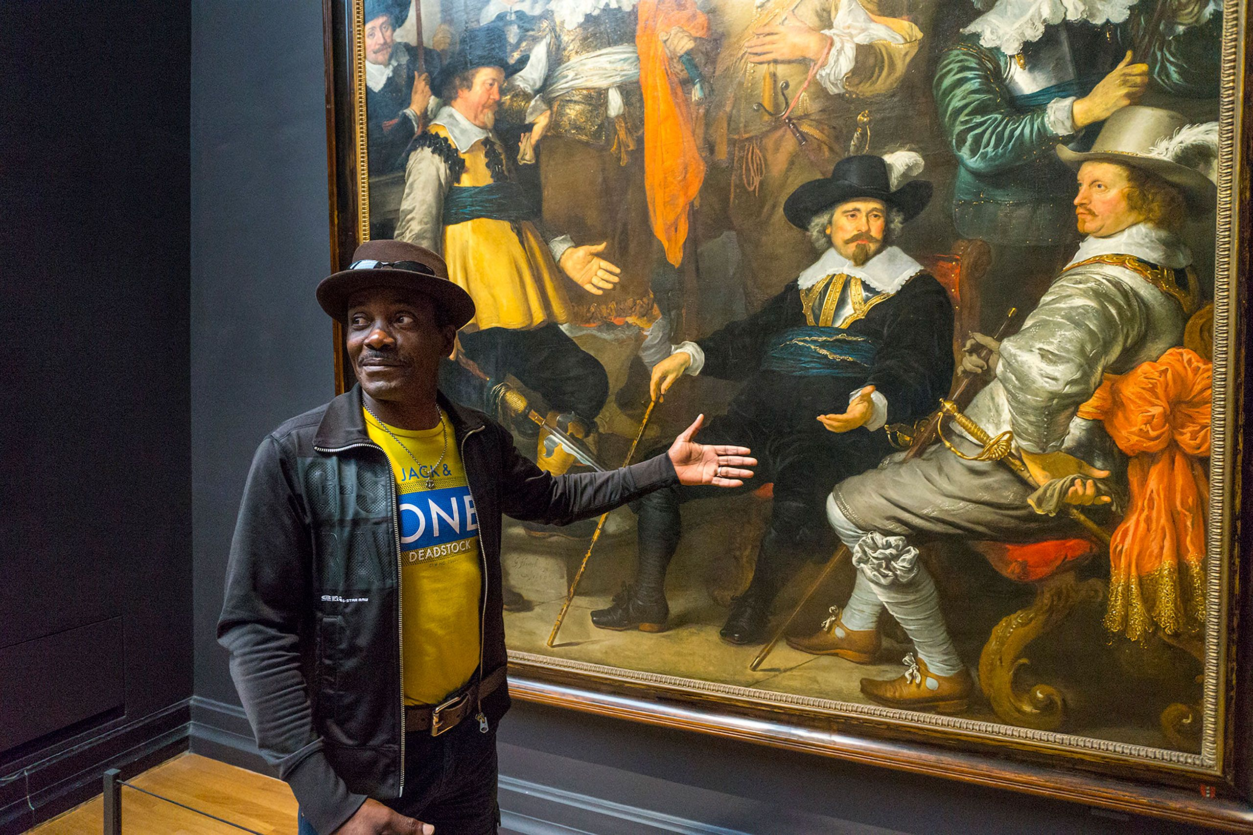 American man at Rijksmuseum Amsterdam