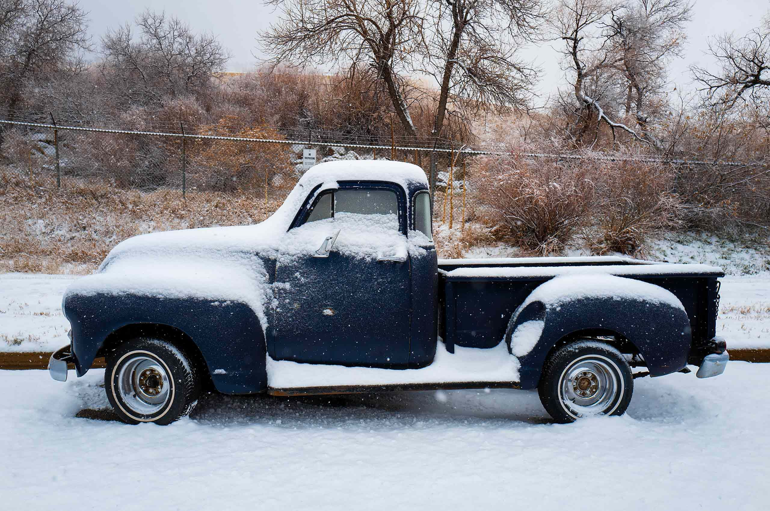 Old truck outskirts of boulder colorada