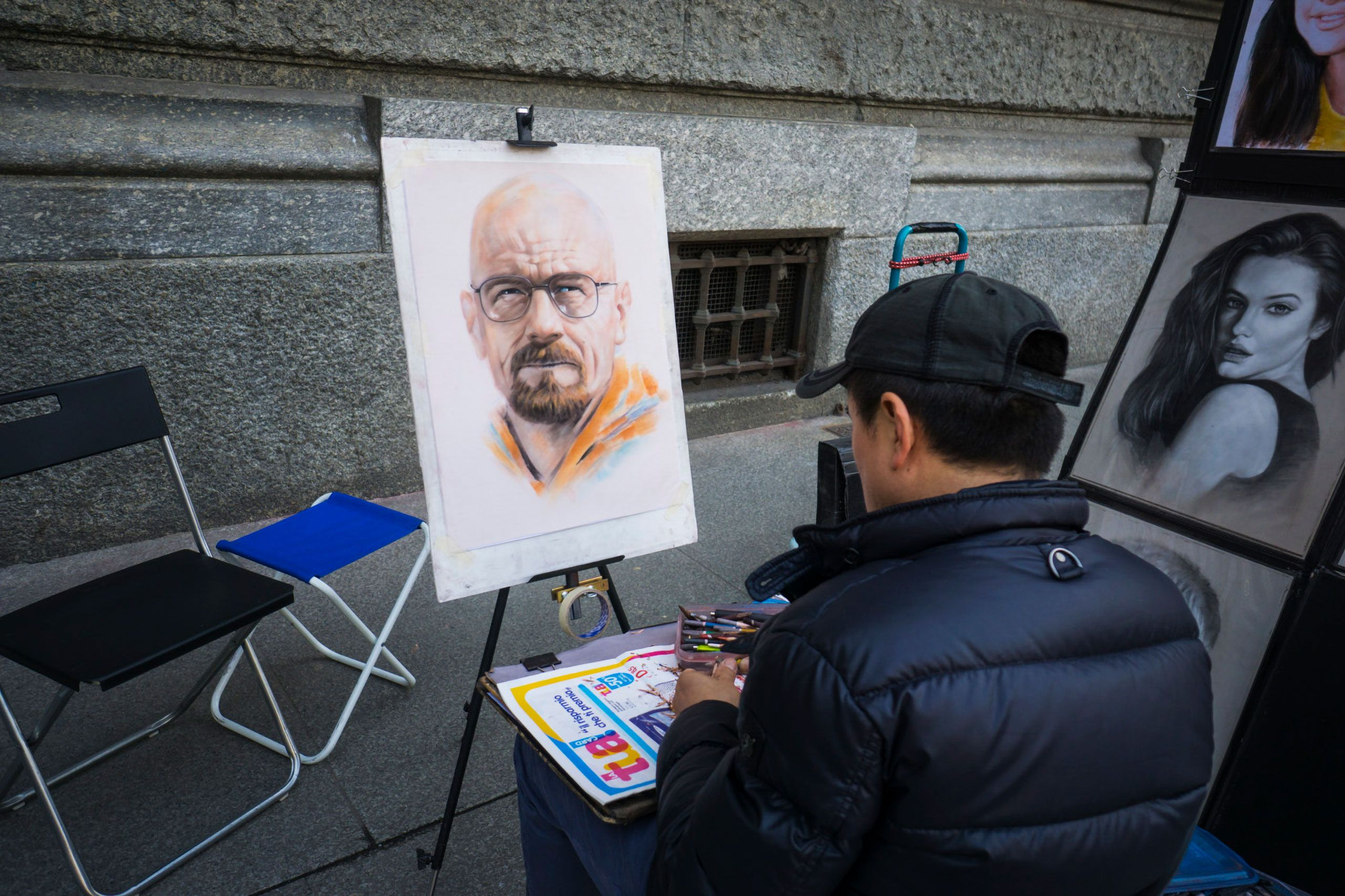 Bryan Cranston Breaking Bad promotions a street portrait artist in ROME inlay