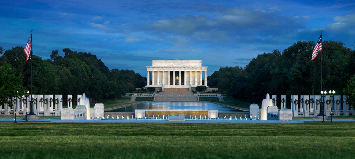 Lincoln Memorial with WWII-n.jpg