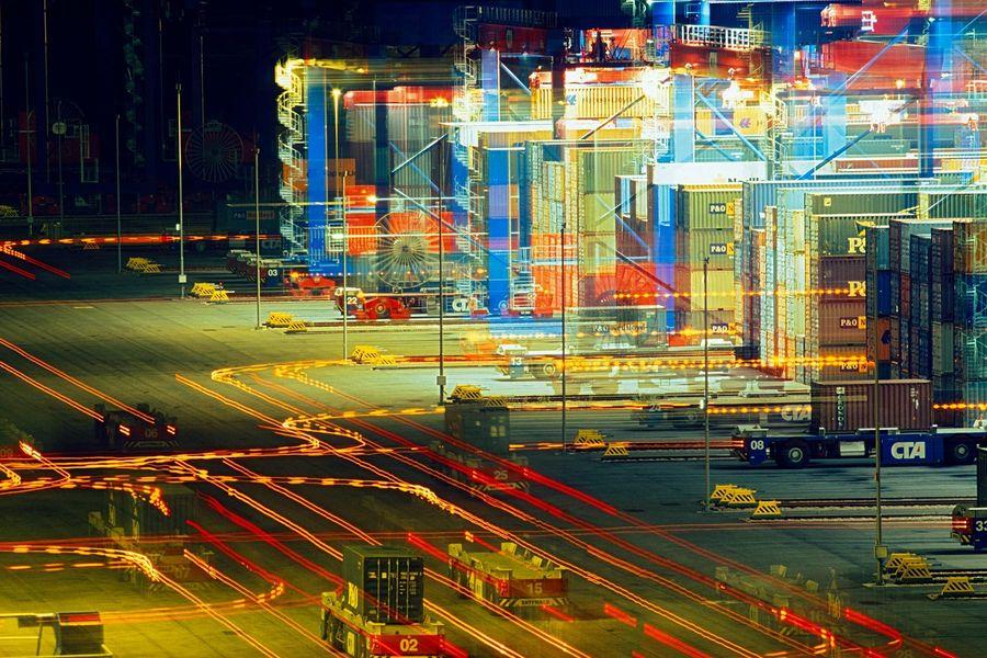 21_0_254_1agv_lichtspuren.jpg