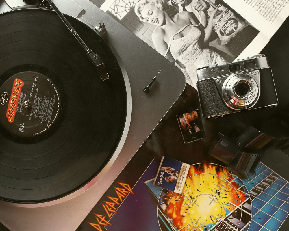 def-leppard-vinyl-record-collection.jpg