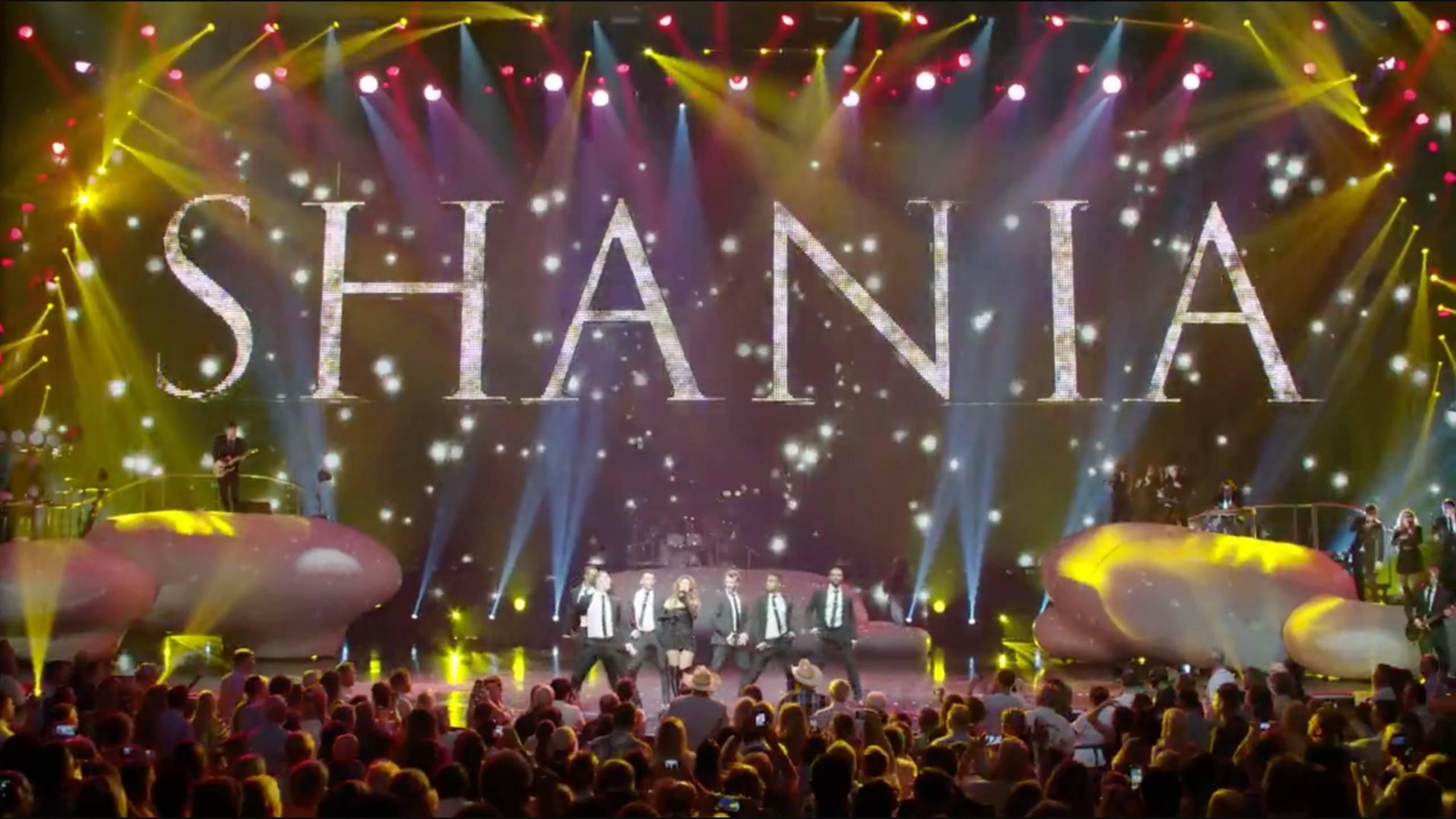 """Shania Twain """"Man! I Feel Like A Woman! """"(live)"""